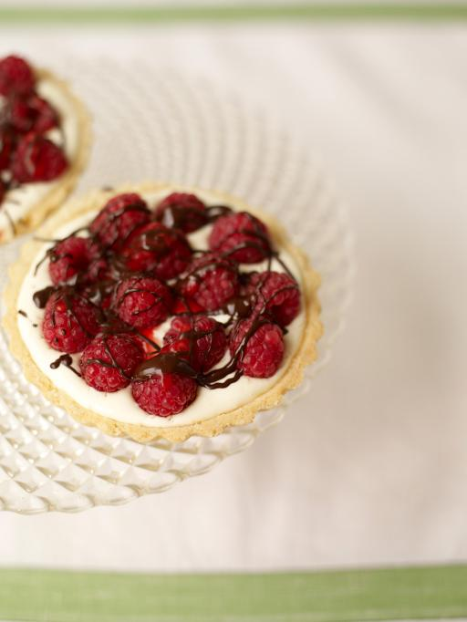 raspberry and mascarpone tarts