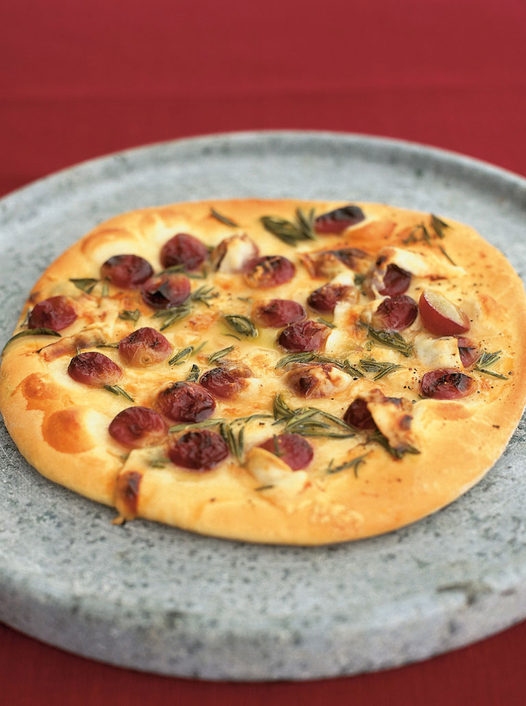 Red grape pizza