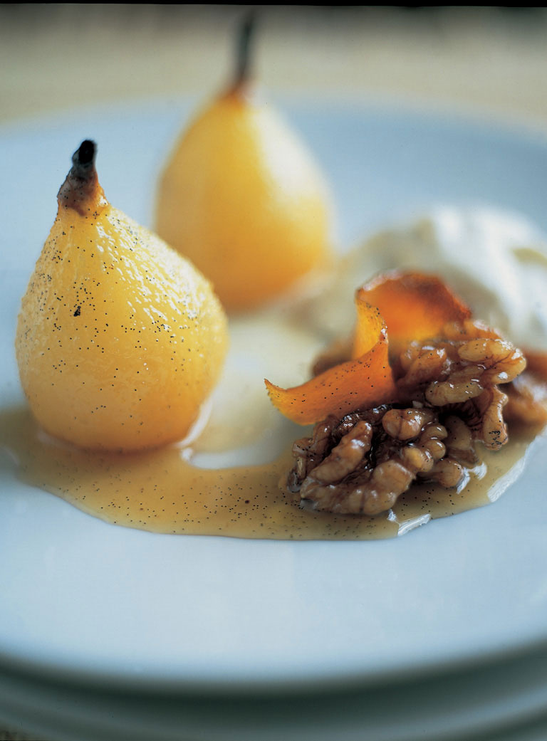 baked pears with walnut cream