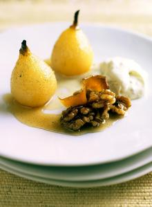 Baked pears with wine and a scrumptious walnut cream