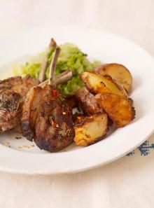 Spicy lamb cutlets with crispy coriander potatoes