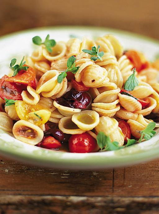 Orecchiette with raw tomato sauce