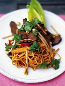 Beef and vegetable stir-fry
