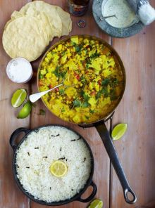 Keralan veggie curry with poppadoms, rice & minty yoghurt