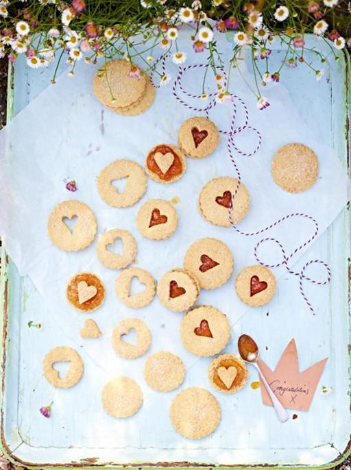 royal Georgie snap biscuits recipe
