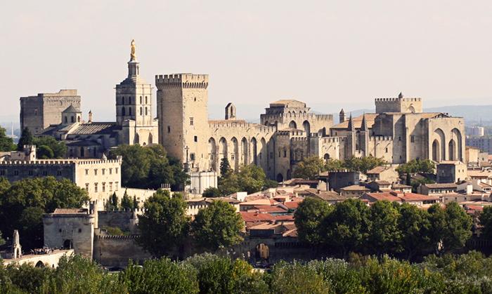 Avignon Palais des Papes depuis Tour Philippe le Bel by JM Rosier