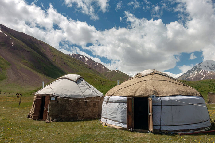 Kirghizistan yourtes