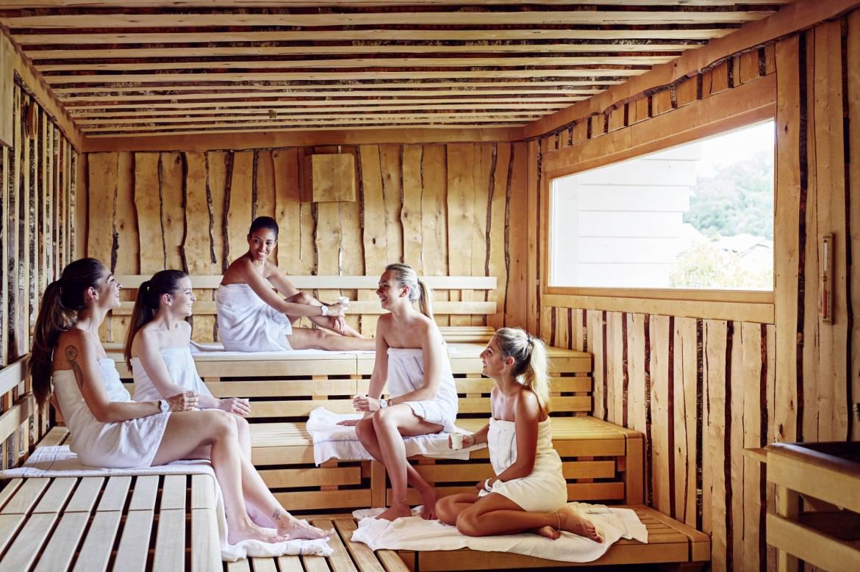 Monforf Sauna Copines
