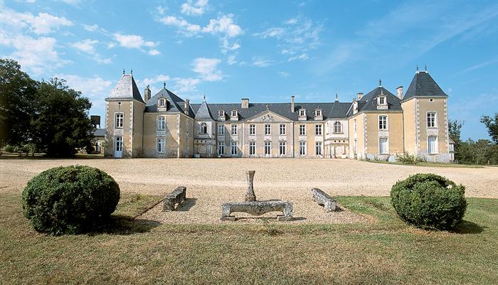 Saintes Chateaux