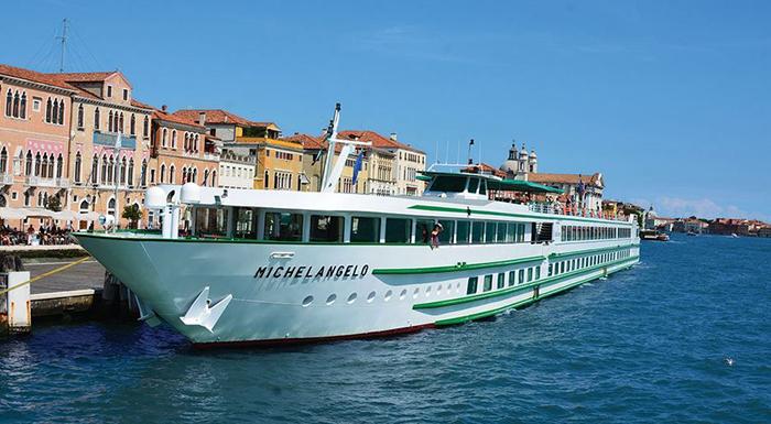 Venise Croisi Bateau