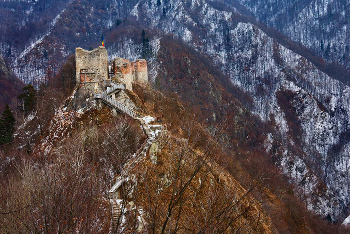 poenari-fortress