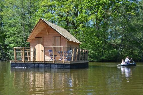 s jour insolite en amoureux ou en famille dans une cabane. Black Bedroom Furniture Sets. Home Design Ideas