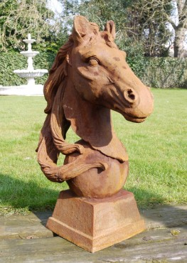 Large Rusty Horse Head Left 2464