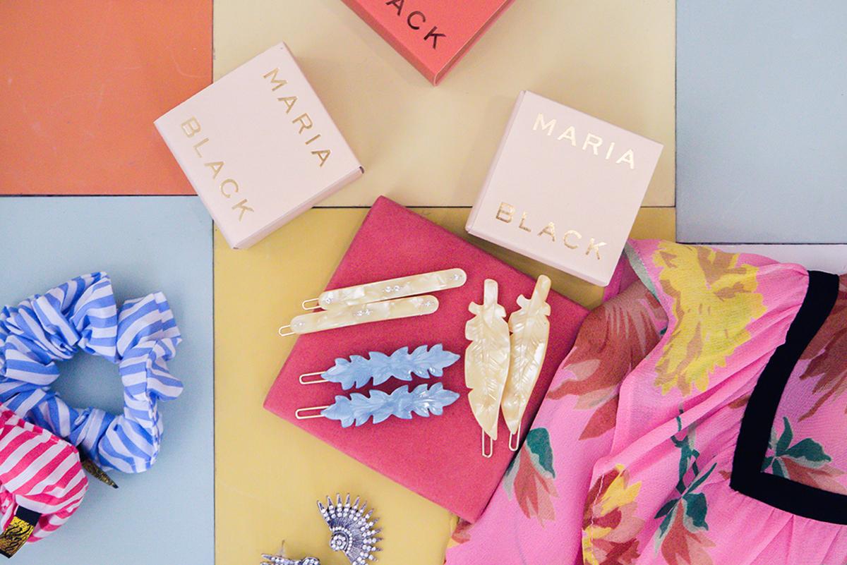 Hårpynt och andra färgstarka accessoarer