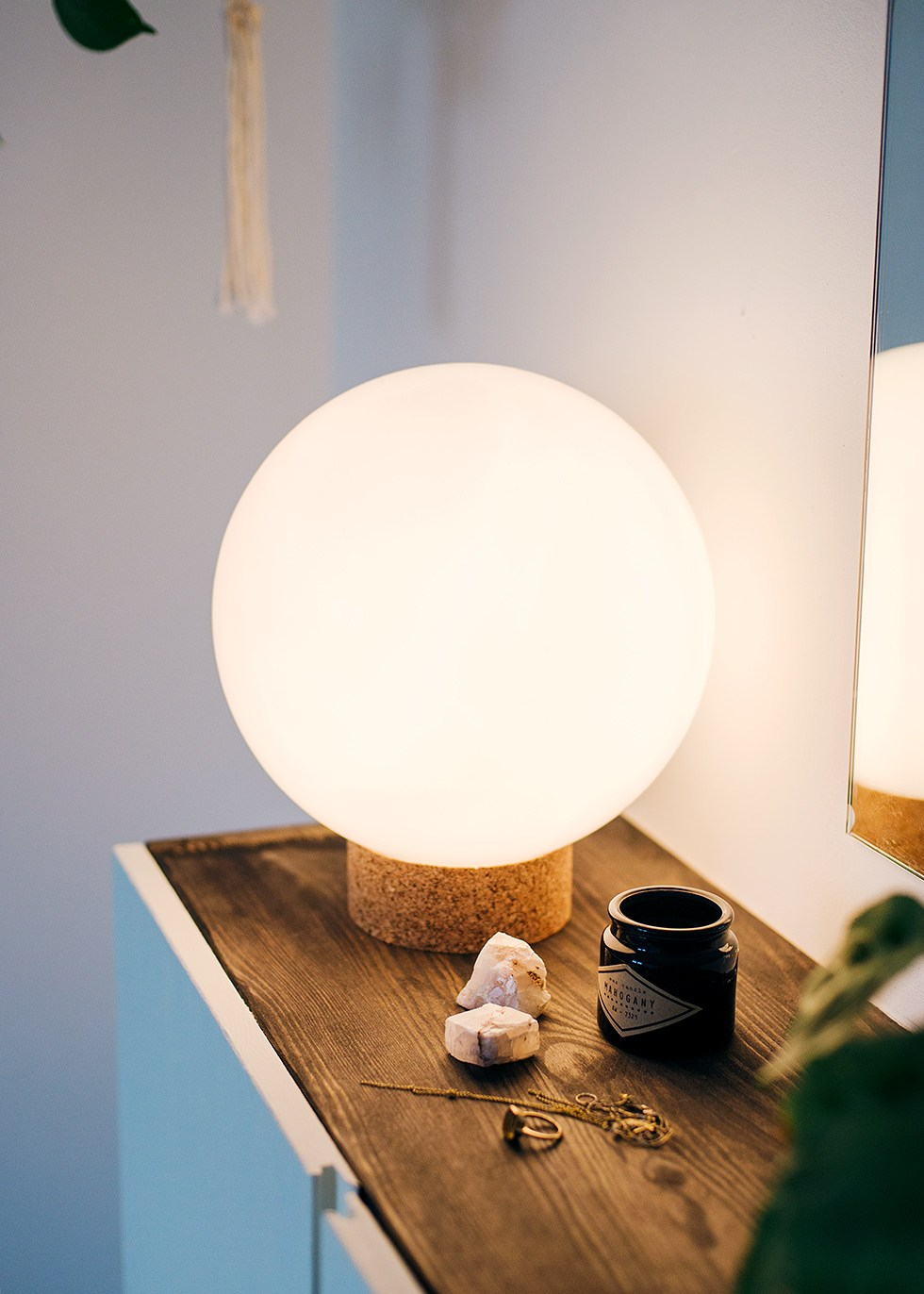 Round cork lamp DIY by Atilio