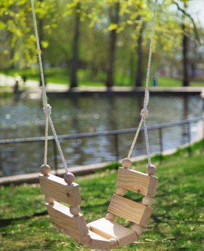 DIY Gunga med träkulor  Dnilva