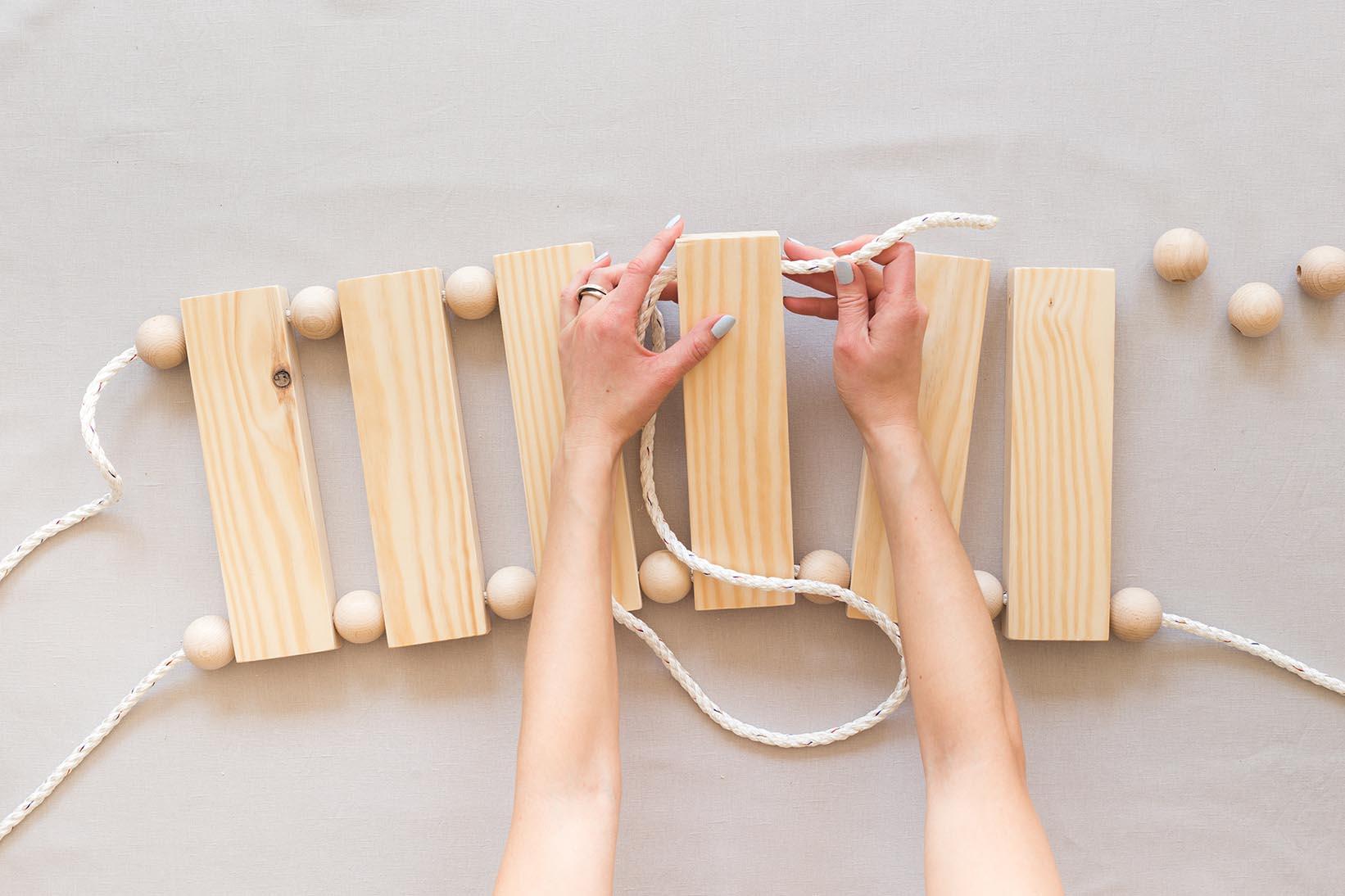 DIY Gunga med träkulor |Dnilva