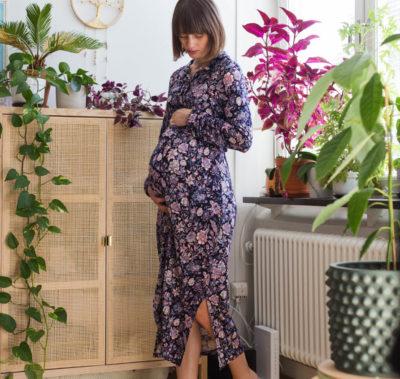 Gravidstil - Mönstrad klänning
