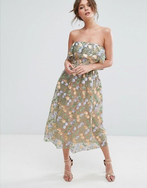 Snygg klänning till bröllop