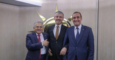 İncesu Belediye Başkanı Ak Parti'ye geçti