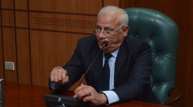 محافظ بورسعيد يجتمع بالنائب العام للإفراج عن مشجعي المصري