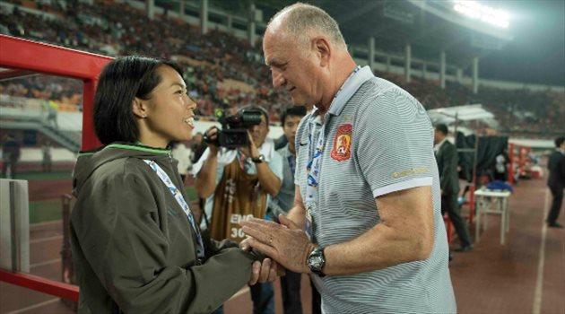 """دوري أبطال آسيا  """"مدربة الرجال"""" تحصد أول نقطة.. وسقوط مدوي لجامبا أوساكا"""