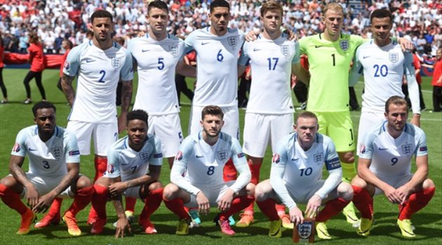 روني يحذر زوجات لاعبي إنجلترا من مواقع التواصل الإجتماعي