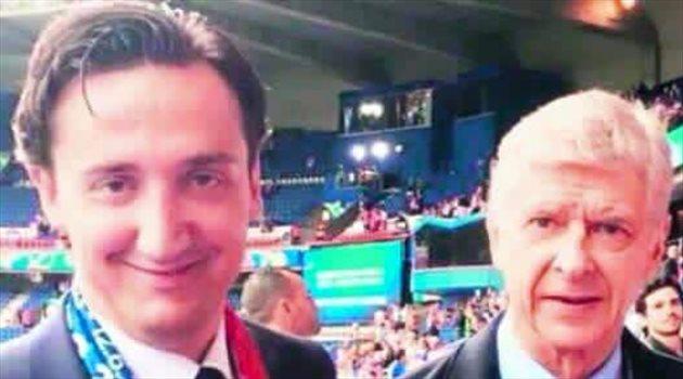 """فينجر يتعرض لموقف محرج في اليورو بسبب مدرب إشبيلية """"المزيف"""""""