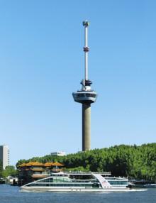 Te Land, ter zee en in de lucht in Rotterdam