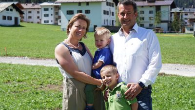 Philipp Jochum mit seiner Familie