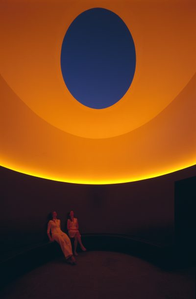 "Skyspace ""The color inside"" University of Texas, Austin, 2012 © James Turrell Foto: Holzherr"