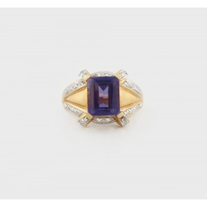Gold Ring decorated with Iolite Stone and Diamonds