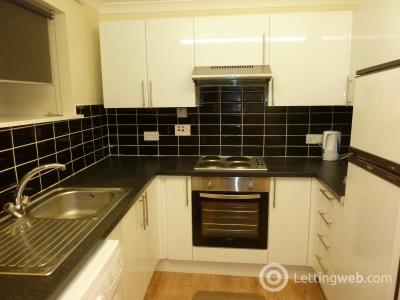 Property to rent in Bruntons Close