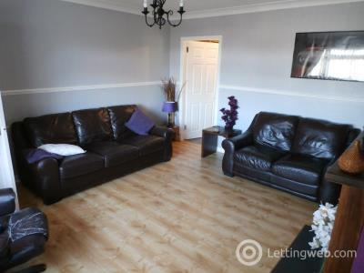 Property to rent in Woodburn Grove