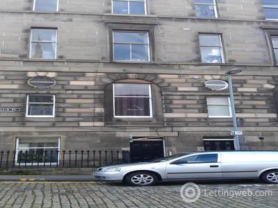 Property to rent in Cornwallis Place, Edinburgh
