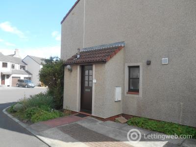 Property to rent in Sou'Wester Court