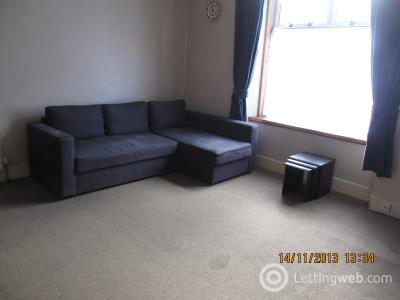 Property to rent in Hollybank Place
