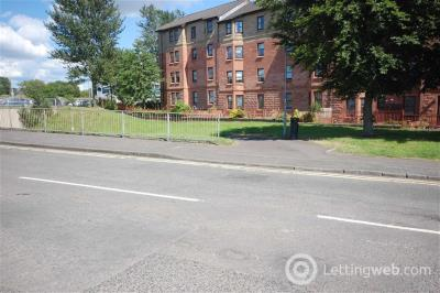 Property to rent in Bon Accord Square, Clydebank