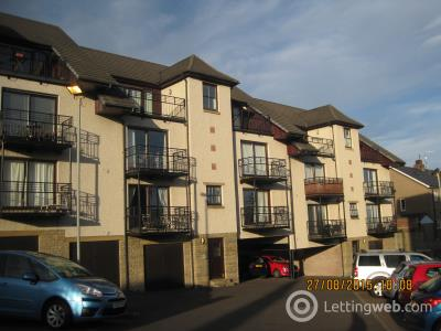 Property to rent in 18 Trinity Court Dundee