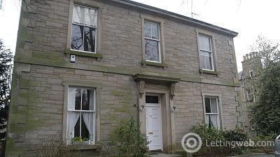 Property to rent in Beautiful three bedroom property in Morningside Place