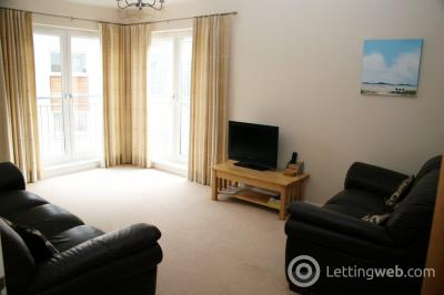 Property to rent in Shaw Crescent