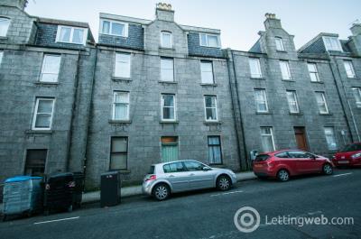 Property to rent in Esslemont Avenue