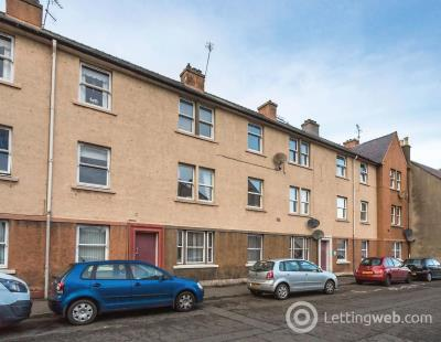 Property to rent in St Andrews Street Dalkeith