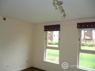 Property to rent in Forth Drive