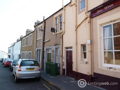 Property to rent in Victoria Street, Dunbar