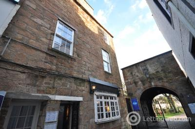 Property to rent in Kirkport, Ayr