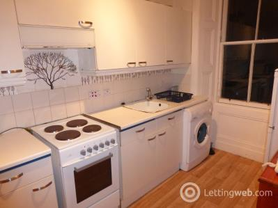 Property to rent in Admiralty Street, ,