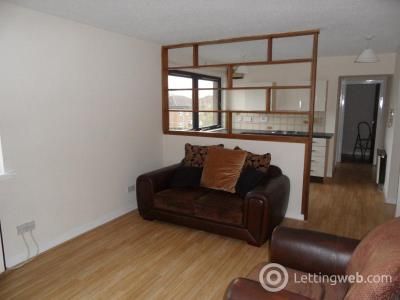 Property to rent in Ravenscraig Drive