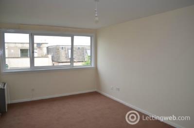 Property to rent in La Porte Precinct, Grangemouth