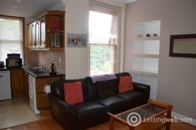 Property to rent in Victoria Road, Falkirk